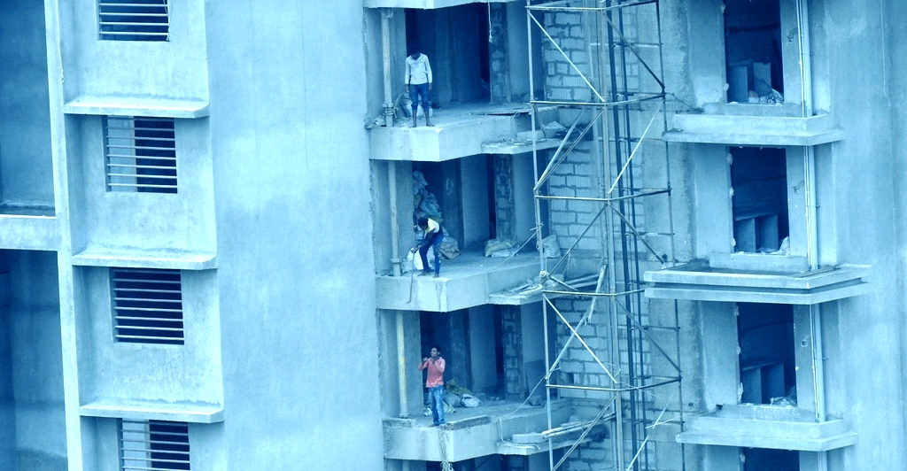 Green Woods Kharghar Construction Workers Life at Stake